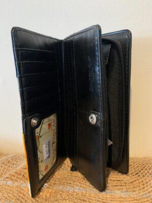 daisy wallet